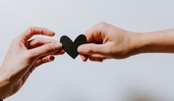 Gemeinsam gegen Armut – portrino unterstützt die Aktion Genial sozial